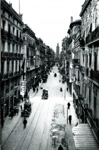 La calle Peris y Valero o de la Paz en 1916.